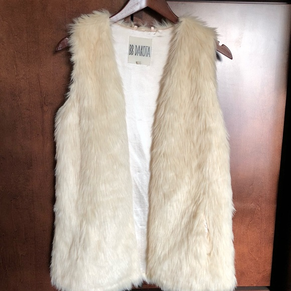 BB Dakota Jackets & Blazers - BB Dakota Ivory Fur Vest